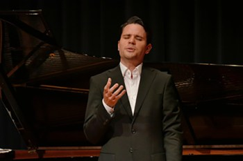 """Bariton Joel Urch will beim nächsten Konzert von """"Vox Tolbiacum"""" unter anderem Werke von Johann Sebastian Bach singen. Foto: Veranstalter"""