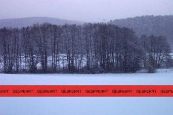 Die Parkplätze an den Hellenthaler Wintersportgebieten sind ab sofort gesperrt. Symbolbild: epa