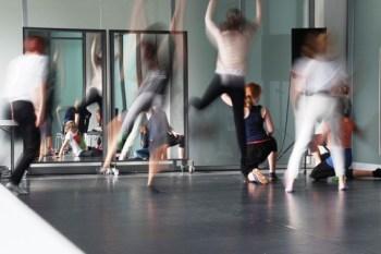 Das Bild zeigt ein Tanzprojekt aus dem Kulturrucksack. Bild: Kulturrucksack NRW Detmold