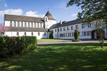 Für die Trappistinnen ist das Kloster Maria Frieden auf der Dahlemer Binz etwas zu groß geworden. Sie haben beschlossen, nach Steinfeld zu ziehen. Bild: Privat