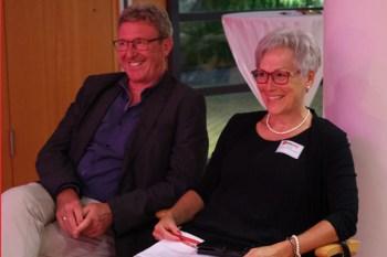 Ruheständler Manfred und Soko-Leiterin Iris Poth schienen ebenfalls einen vergnüglichen Abend zu erleben. Bild: Michael Thalken/Eifeler Presse Agentur/epa