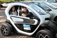 """Am Samstag darf man auf der """"EnNatura.Eifel"""" Probefahrten mit dem Elektromobil unternehmen. Bild: Michael Thalken/Eifeler Presse Agentur/epa"""