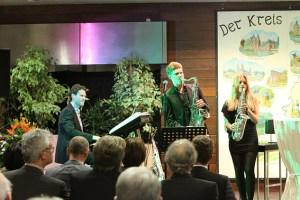 Die Familie Siegemund (Frank Siegemund mit Annika Fee, Maike und Fabio) sorgte für erstklassige musikalische Begleitung. Bild: Tameer Gunnar Eden/Eifeler Presse Agentur/epa