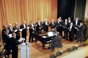 Unter der Leitung von Paul. F. Irmen werden der MGV Dahlem (Bild) und der MGV Hillesheim seltene Kompositionen Mozarts vorstellen. Bild: Privat