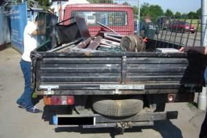 Schrottsammler wurden vom Zoll, der Polizei und vom Kreis Euskirchen überprüft. Bild: Adelt/Kreis Euskirchen