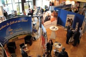 Im Kurhaus Gemünd drehte sich am Sonntag alles um das Thema Energie. Bild: Michael Thalken/Eifeler Presse Agentur/epa