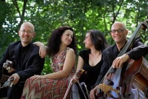 """Auch die Klezmergruppe """"Voices of Ashkenaz"""" mit Musikerinnen und Musikern aus vier Nationen wird im KUlturhaus erwartet. Bild: Promotion"""