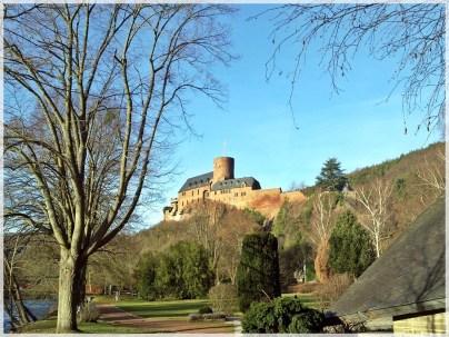 Burg Heimbach Hengenburg