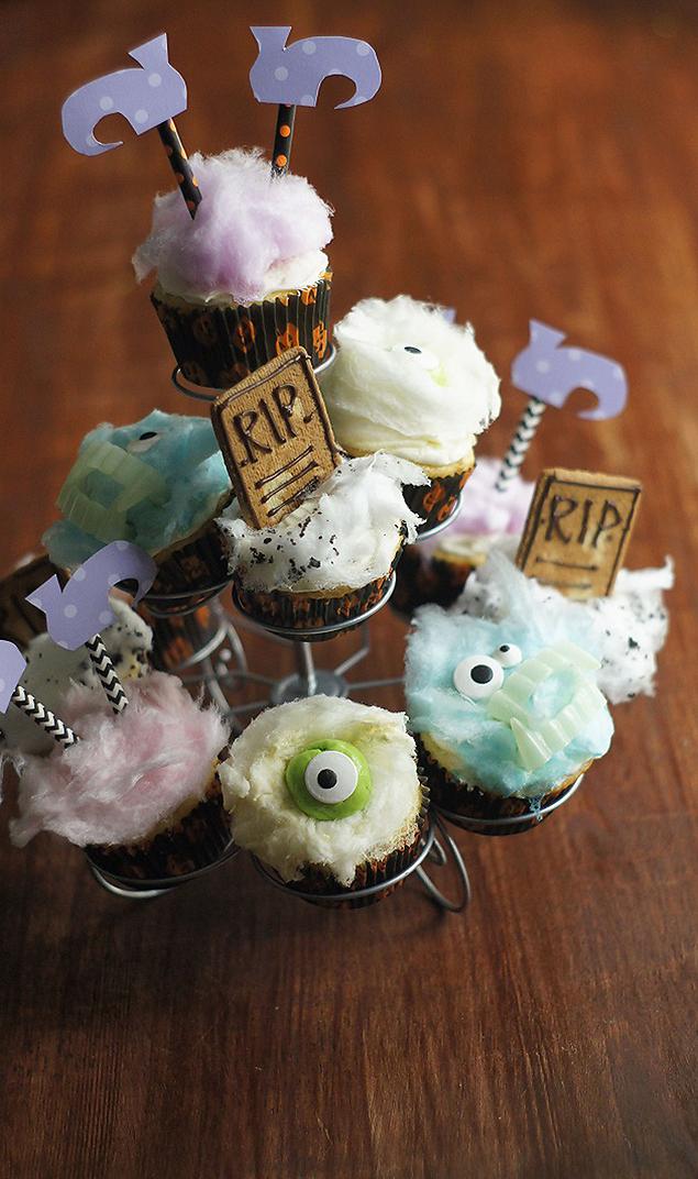 Fun Halloween Cupcakes Eighteen25