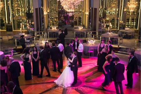 0119_interior_dancing_kiss