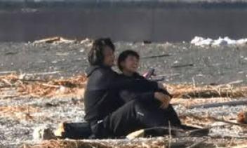 鈴木杏樹さんと喜多村緑郎さんの海岸デート