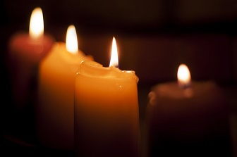 candles-933383_640