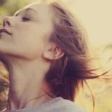 肩こり・首こりの原因【胸鎖乳突筋】をほぐすストレッチで自律神経を整える