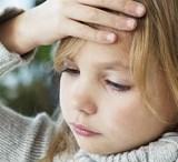 【ウイルス性髄膜炎】子供がよくかかる危険な合併症、症状と治療法