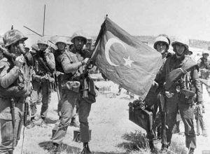 Read more about the article Σαν σήμερα 20 Ιουλίου 1974: Η τουρκική εισβολή στην Κύπρο