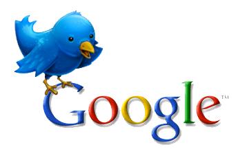 La mascota de Twitter sobre el logo de Google
