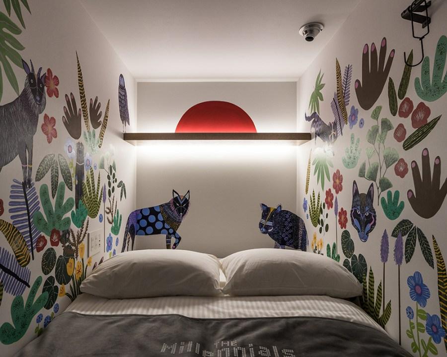 via:www.nikyniky.com(Mural for Hotel Millennials Shibuya)