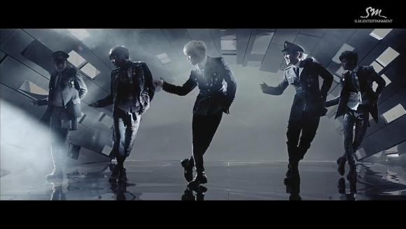 Download SHINee - Everybody [720p]   [MV]