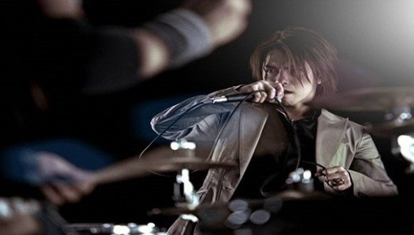 [2004.02.04] L Arc~en~Ciel - READY STEADY GO (DVD) [480p]   - eimusics.com.mkv_snapshot_01.39_[2015.11.12_10.38.34]