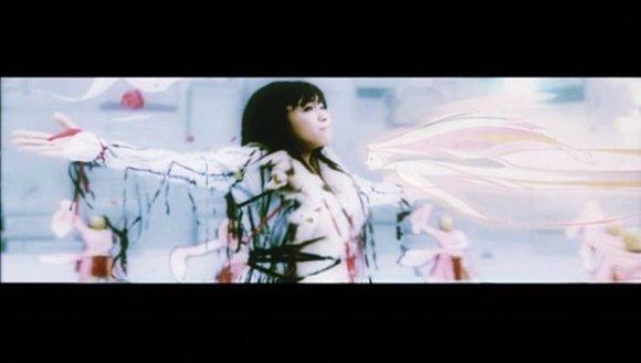 [2005.12.14] Utada Hikaru - Passion (DVD) [480p]   - eimusics.com.mkv_snapshot_03.15_[2015.12.31_20.40.54]