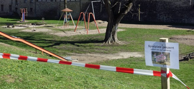 Gesperrter Spielplatz am Bäckerwall in Einbeck. Archivfoto: Frank Bertram