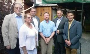Am Zug: Heiner Hegeler, Petra Kersten, Christian Gabriel, Dr. Bernd von Garmissen, Dirk Ebrecht, Helmar Breuker. Foto: CDU