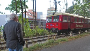 Der Ilmeblitz am PS-Speicher mit dem Ratsvorsitzenden (und ehemaligen Ilmebahn-Geschäftsführer) Bernd Amelung.