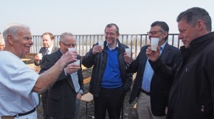 Vorsitzender Heinrich Langheim, Ex-Bürgermeister Ronny Rode, Ortsbürgermeister Frank-Dieter Pfefferkorn, Landrat Michael Wickmann und Kreistagsabgeordneter Dirk Ebrecht.