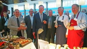 Botschafter-Besuch (v.l.): Carsten Ilsemann, Heiko Jörns, Stephan Weil, Kalle Eikenberg, Rainer Koch und Siegfried Kappey.
