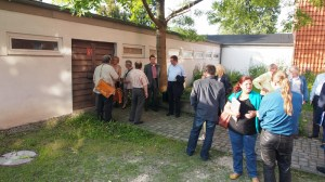 Ortsbesichtigung vor Sitzungsbeginn: das Stadtarchiv von außen. Fotos innen waren nicht erwünscht.