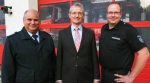 Kreisbrandmeister Bernd Kühle, Brandschutzausschuss-Vorsitzender Karl-Heinz Hagerodt, FTZ-Leiter Steven Bohmhauer.