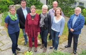 Dorfassistentin Jutta König (3.v.l) wurde von den Ortsvertretern (v.l.) Nicole Harnisch (Haieshausen), Dirk Heitmüller (Salzderhelden), Beatrix Tappe-Rostalski (Opperhausen), Hans-Jörg Kelpe (Garlebsen-Ippensen-Olxheim) und Hans-Henning Eggert (Kreiensen) sowie Einbecks Bürgermeisterin Dr. Sabine Michalek begrüßt.