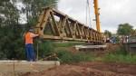 30,5 Meter lang und 16 Tonnen schwer ist einer der Stahlträger.
