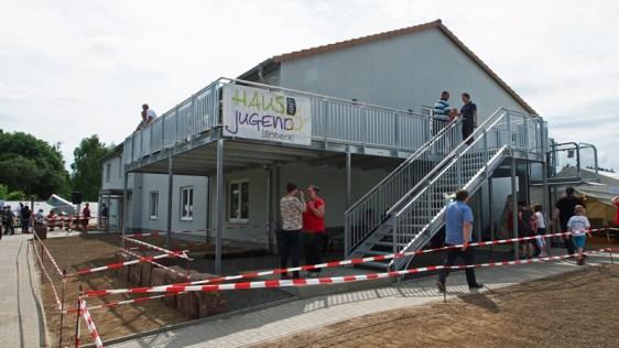 Neuer Ort für Jugendarbeit in Einbeck: Mit einem vielfältigen Programm für Kinder und Jugendliche, mit Konzerten und einem Tag der offenen Türen ist das neue Haus der Jugend am Kohnser Weg eröffnet worden.