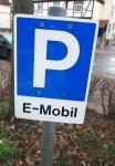 Elektroautos sollen bald kostenfrei parken dürfen.
