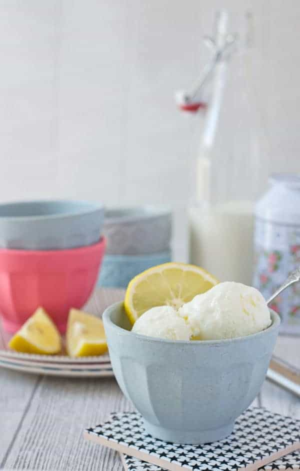 skinny frozen yogurt with lemon and buttermilk. Easy to make, refreshing and perfect for summer time!