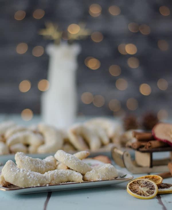 zarte Vanillekipferl, leicht zu backen, zergehen im Mund. Weihnachtsbäckerei
