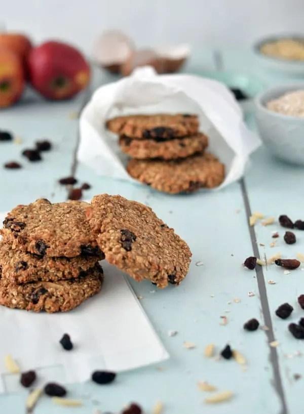 Leckere Frühstückskekse mit Apfel und Zimt. Yummy breakfast-cookies with apple and cinnamon. Recipe also in english!