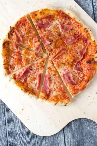 Fluffig knusprige Pizza aus Manitoba-Mehl (Werbung)