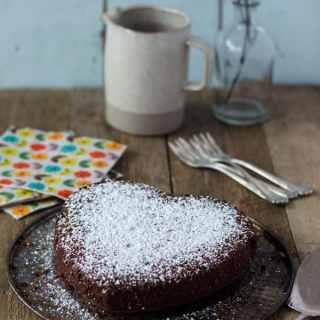 """Einfacher Nutellakuchen – Happy birthday """"Ein Häppchen Liebe"""""""