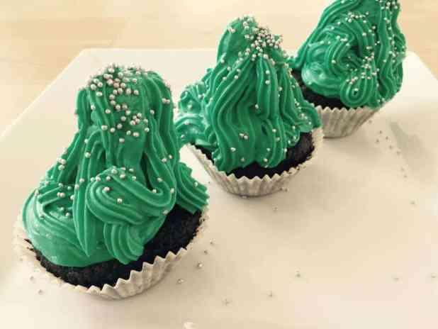 Diese weihnachtlichen Muffins sind der absolute Hingucker und im Handumdrehen fertig.