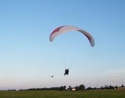 Gleitschirmflug mit Windenstart