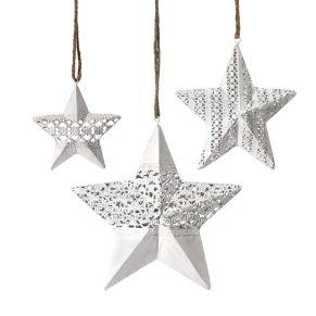 Filigran verarbeitete Sterne. 3 Sterne in unterschiedlicher Größe und mit unterschiedlichen Mustern, Maße: Klein ca. 10 cm Ø, mittel ca. 15 cm Ø, groß ca. 20 cm Ø, Gewicht: ca. 0,3 kg, Material: Metall.<br>