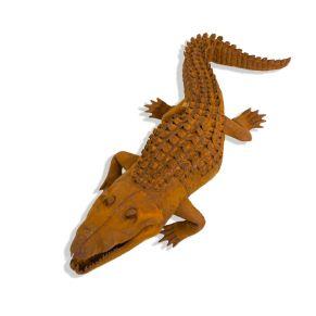 Eine schöne Dekofirgur in Krokodil-Form. In Rostoptik, Maße: ca. Länge 81 x Breite 31 x Höhe 20 cm, Gewicht: ca. 2,4 kg, Material: Metall.<br>