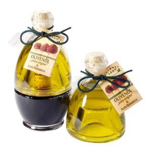 Das Präsent besteht aus einer Flasche Aceto Balsamico di Modena und einer Flasche Olivenöl. Mit maximal 0,5% Säure, extra vergine, 4 Jahre alter Aceto Balsamico di Modena, 2 x 90 ml, Maße: L20,0 x B14,0 x H12,0 cm. Zutaten: Aceto Balsamico. Olivenöl extra..<br>