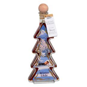 Eine schöne Glas-Flasche in Form einer Tanne, ein Etikett mit Winter-Motiv und ein Verschluss in Form eines Holzgriffkorkens in Kugelform sind der Rahmen für 200 ml Lebkuchen-Likör 20%. Maße: ca. L9 x B4 x H23 cm.<br>