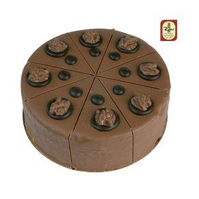 Geschmack frischer Haselnüsse, ergänzt durch eine Nougat-Creme, mit feinster Vollmilch-Schokolade überzogen. Maße: ca. 16 cm Ø. Zutaten: BUTTER, Zucker, VOLLEI, WEIZENMEHL, PFLANZL. FETTE, HASELNÜSSE, Kakaomasse, KAKAOBUTTER, VOLLMILCHPULVER, Alkohol, Vanille, Gewürze, EMULGATOR: SOJALECITHIN. Nährwertangaben: Energie: 1632 kJ / 390 kcal, Fett: 32,01g davon ges. Fettsäuren: 11,50g, Kohlenhydrate: 14,92g davon Zucker: 11,30g, Eiweiß: 10,22g, Salz: 0,11g. Allergiehinweis: Kann Spuren von Erdnüssen und anderen Schalenfrüchten enthalten<br>