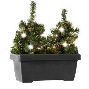 Praktische Weihnachtsbeleuchtung für Balkone (passend für Geländer bis 5 cm Breite). Balkonkasten mit 2 kleinen Tannenbäumchen, die Halterung ist wahlweise auch abnehmbar, für den außenbereich geeignet, für Outdoor-Einsatz geeignet, Leuchtmittel: 20 x warmweiße LEDs, Maße: ca. Breite 40 x Tiefe 20 x Höhe 46 cm, Gewicht: ca. 1,5 kg, Material: Kunststoff, LEDs, Kiefernzapfen.<br>