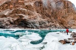 Abenteürreise durch die Landschaft des Himalayas
