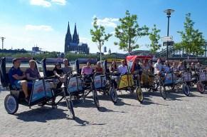 Lässig mit dem Fahrradtaxi durch Köln